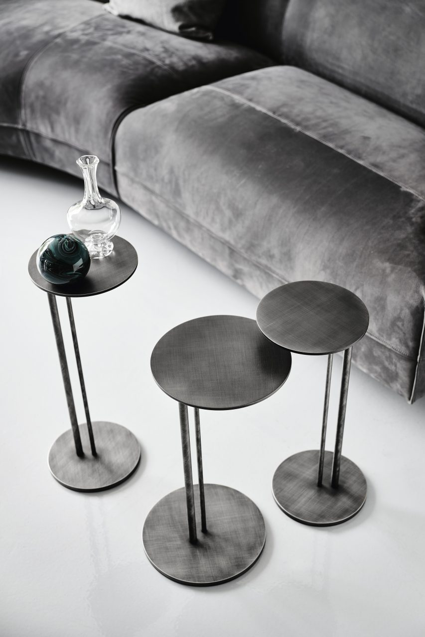 Sting coffee table