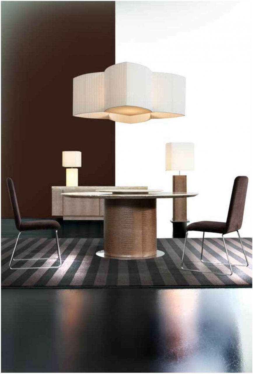 Passion dining table